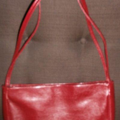 originalslika_-Crvena-torba--178942877-4fc7bd69