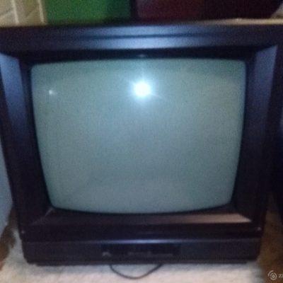 originalslika_-televizor-u-boji-tezak-je--179927073-561073f2