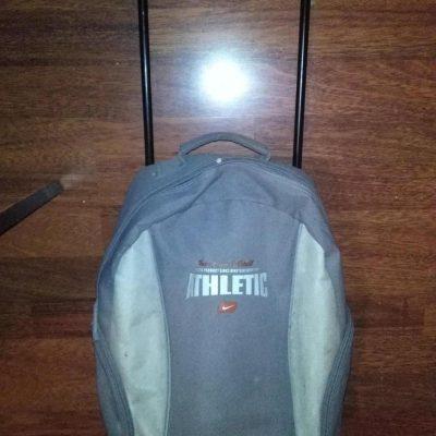 originalslika_Nike-kofer-za-decu-nije-cist--201938903-0737ac77